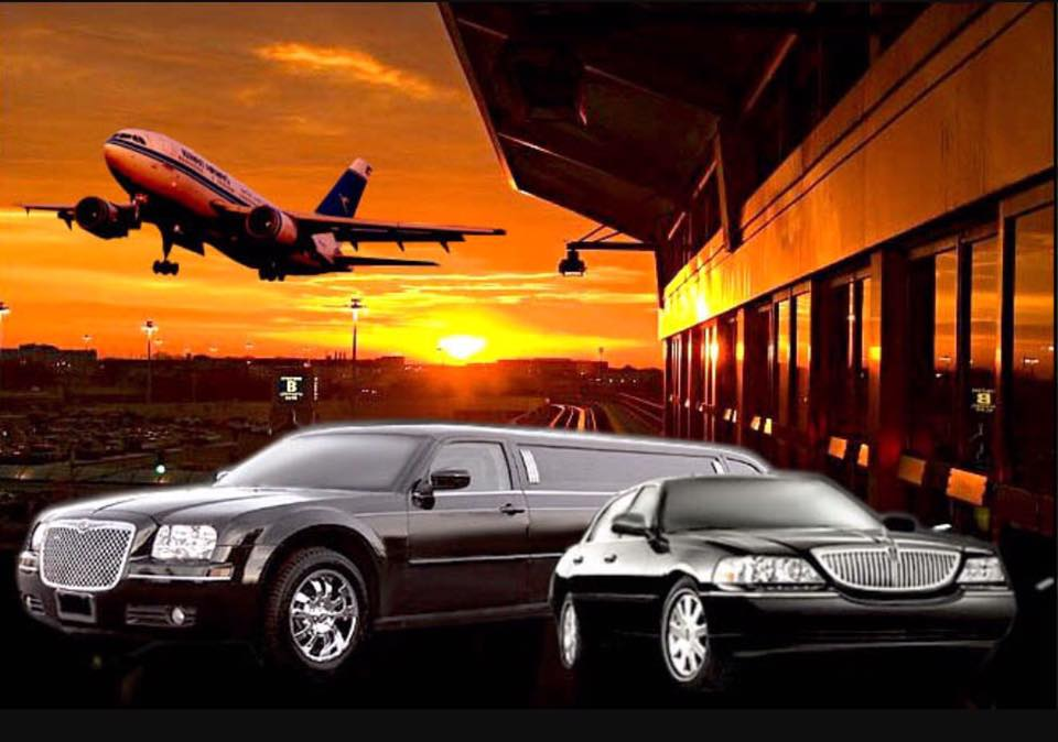 airport pic chrysler and towncar .jpg