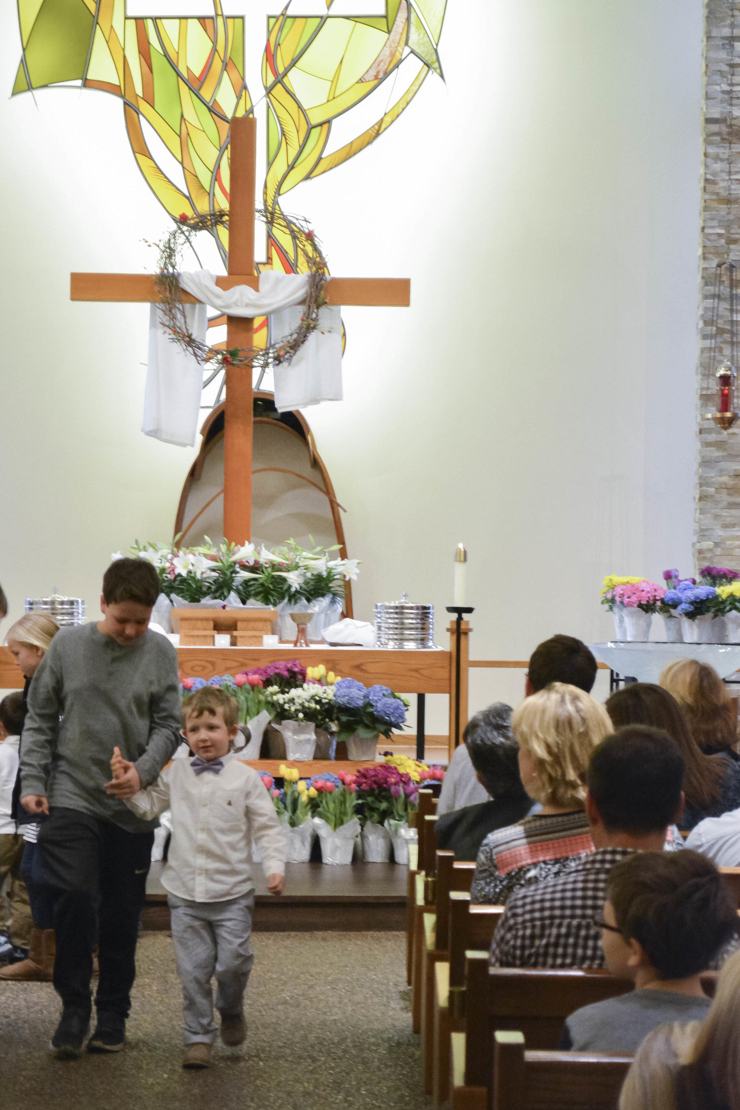Easter Aisle at Mount Olivet