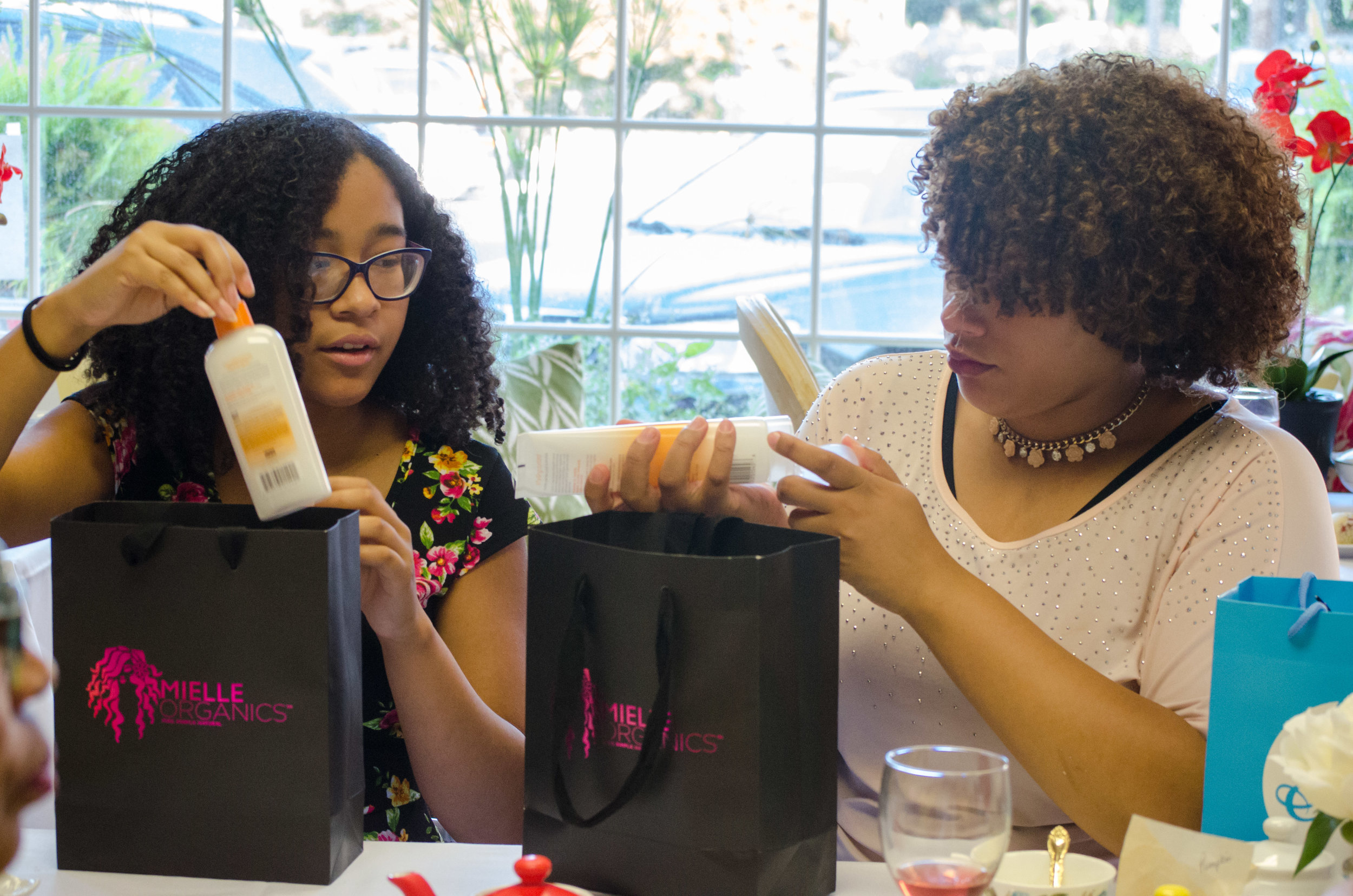 Special Thanks to Mielle Organics and Cantu!