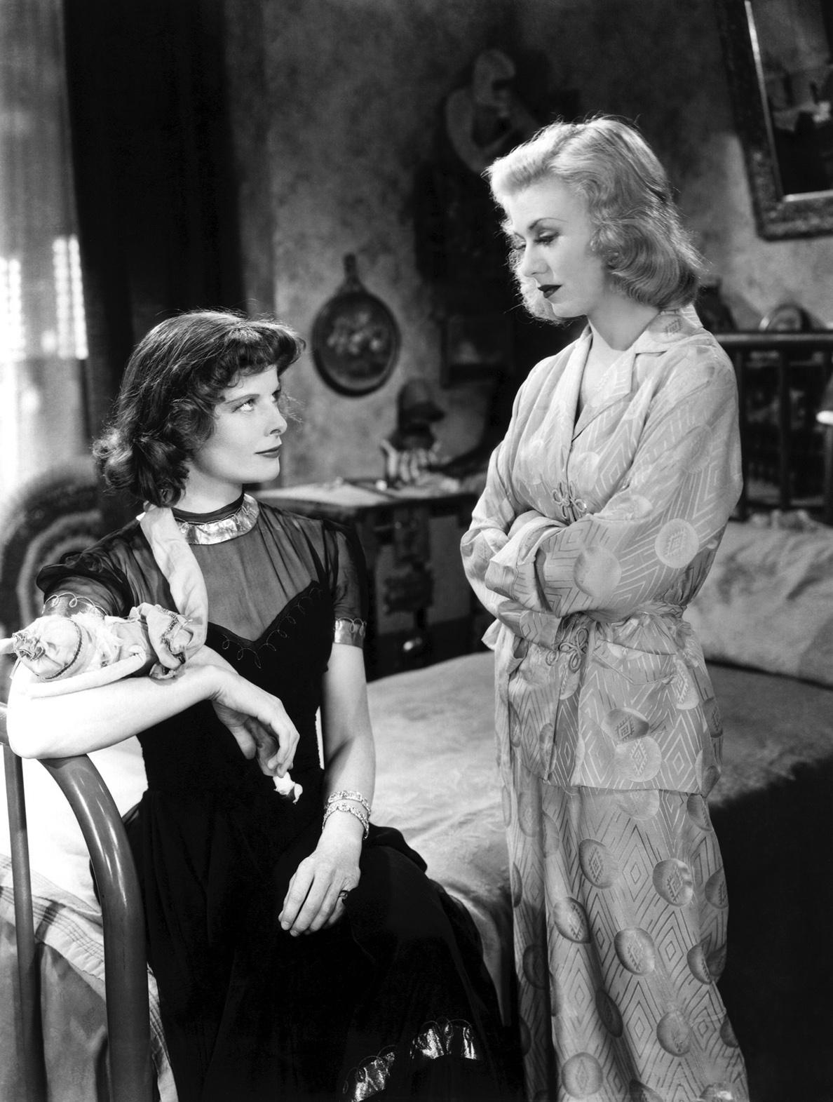 stage-door-katharine-hepburn-and-ginger-rogers.jpg