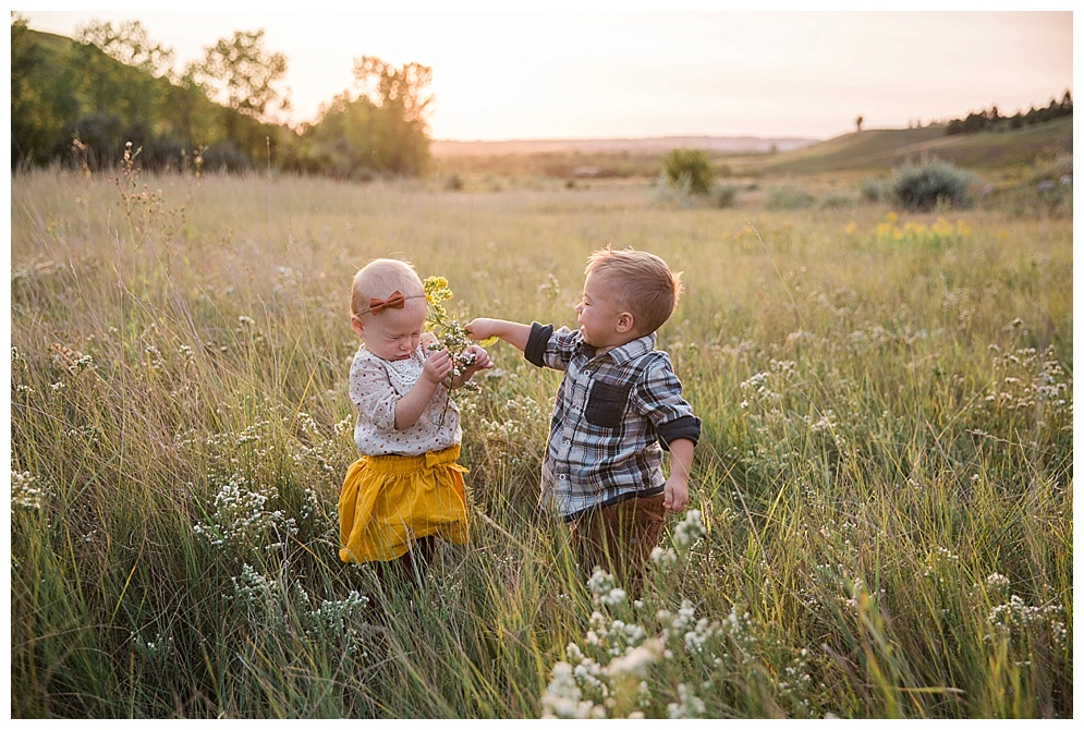 This picture basically sums up any persons life who has a sibling....I love it :) Although, I do fill bad for Hollis, but don't worry she got equal with him!