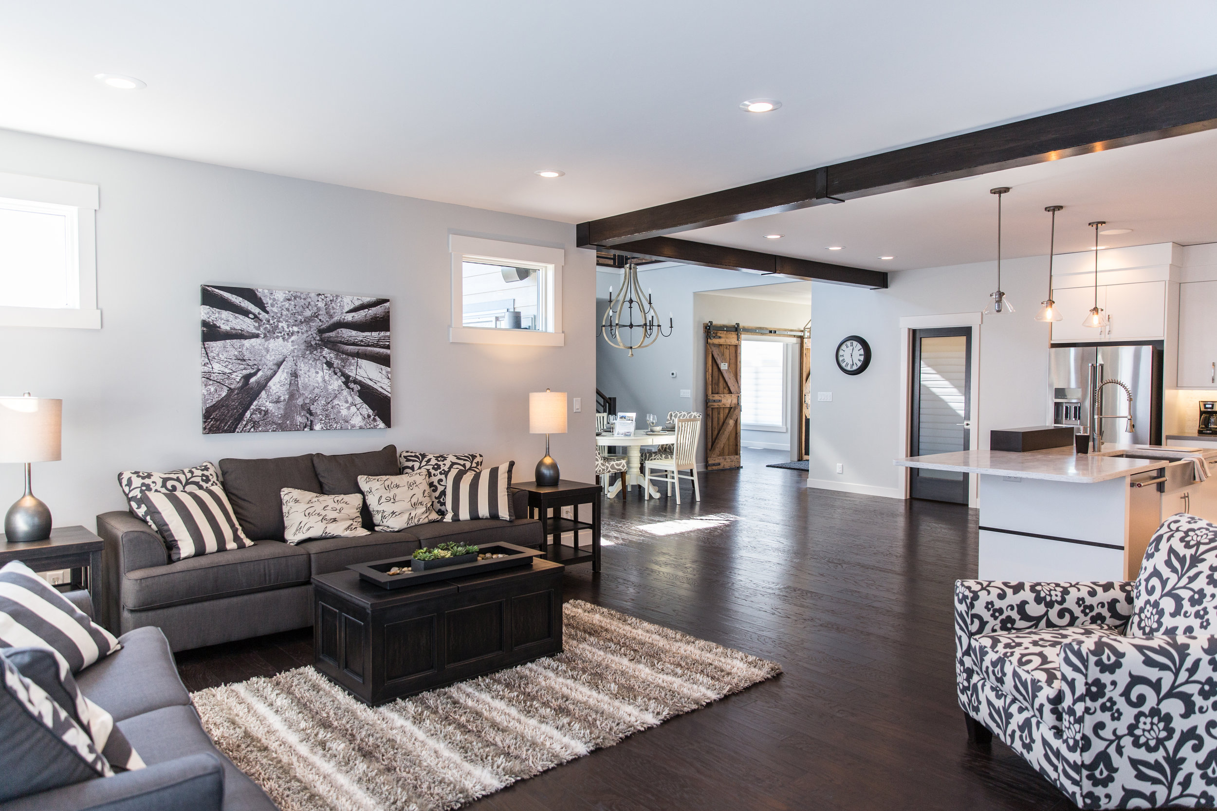 Over the past few months I have had the pleasure of photographing some stunning homes built by Pinnacle Homes. This particular home is being showcased in the Fall Parade of Homes. House #26 located at 3621 Valley Drive, Bismarck,features 4 Bedrooms and 3 Bathrooms. This home is modern with a rustic twist that is sure to impress.