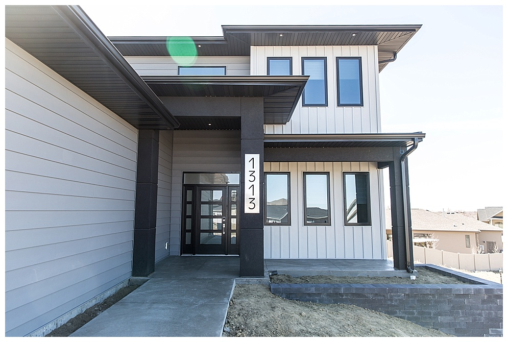 Located in North Bismarck, this modern home was featured in the Spring 2018 Bismarck-Mandan Parade of Homes tour. I loved the secret pantry and enclosed patio. Check out more of there homes  here!