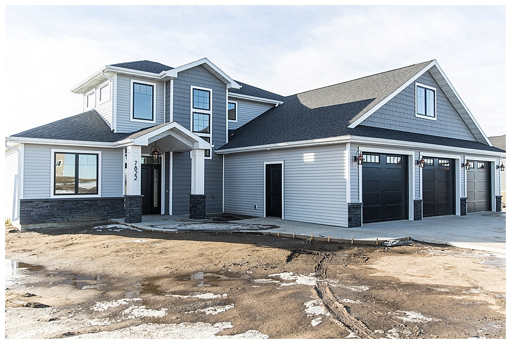 Stop by this beautiful custom home built by Big River Builders this weekend.  Thursday, April 25 from 6-9 p.m.  Friday, April 26 from 6-9 p.m.  Saturday, April 27 from 11-5 p.m.  Sunday, April 28 from 12-5 p.m.  For more information on Big River Builders, click  HERE!