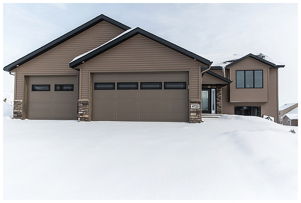 This home is currently available for purchase! Located in North Bismarck near Horizon Middle School. Check out  Eddy Mitzel Homes  on facebook to see more.