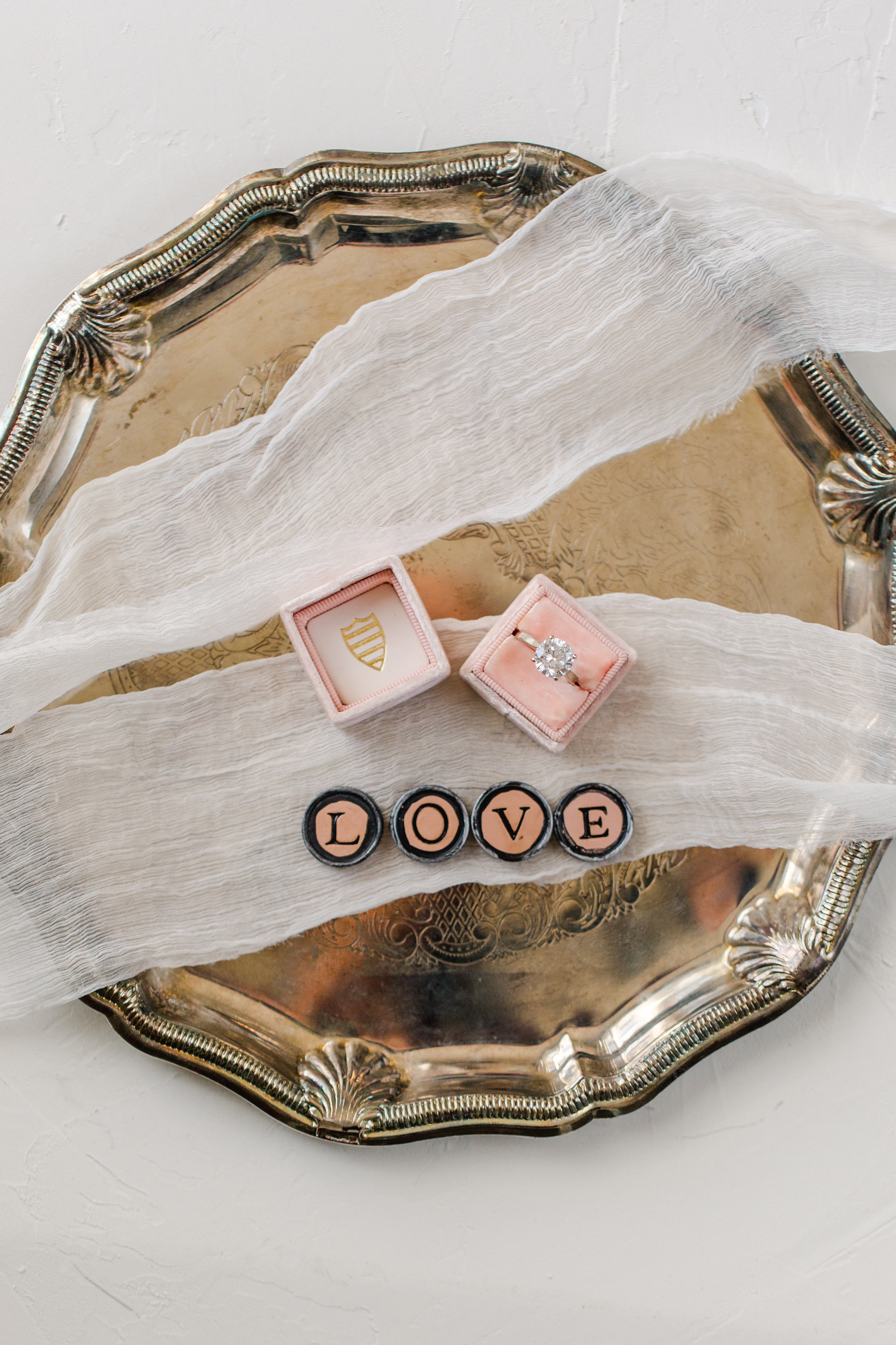 Love these LOVE magnets, they work great for styling wedding details.