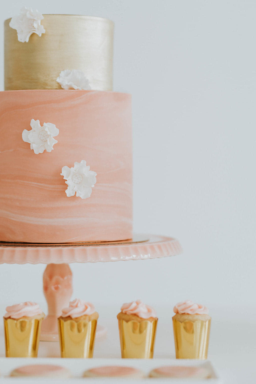 cupcakes_and_cake_cupkateandco.jpg