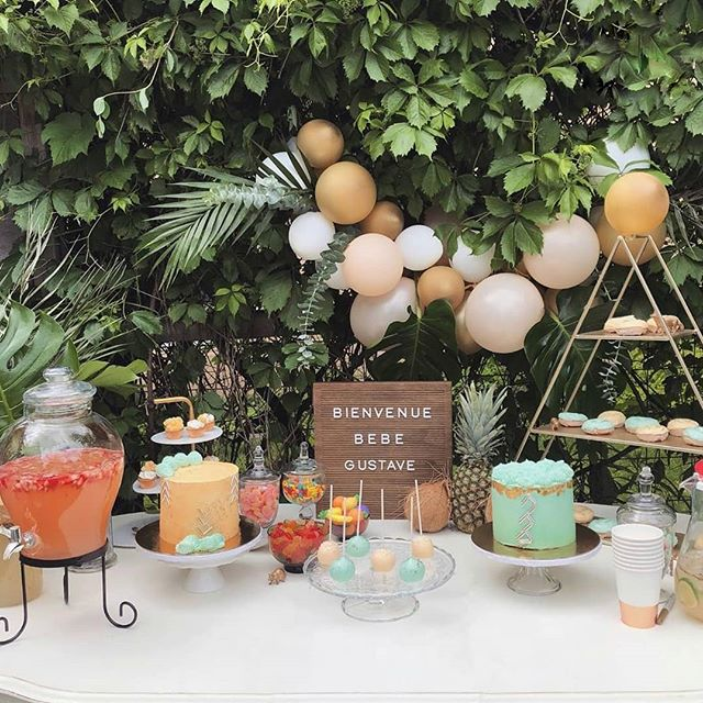 Our cakes & sweets in the most beautiful tropical set up 🍍🥥😎! Oh baby Gustave, you are loved! . . . . . . 📸: by the amazing mom-to-be @mamanrainbow . . . . . . . . . . . . . . . . . . . . . . #sugarartist #sugarart #edibleart #customcookies #decoratedcookies #handmadecookies #cookieart #cakedesign #fondantdecoration  #decoratedcookie #sugarcookies #fondantcookies #cutecookies #cake #sugarartcookies #cakedecorating #bakefromscratch #babyshowercookies #handmadecookie #cakeinspiration #sugarpasteart #babyshowercake #babyshowercupcakes #babyshowerdecorations #babyshowerdecoration #babyshowertime #babyshoweridea #babyshowerballoons #babyshowerinspo #babyshowertheme