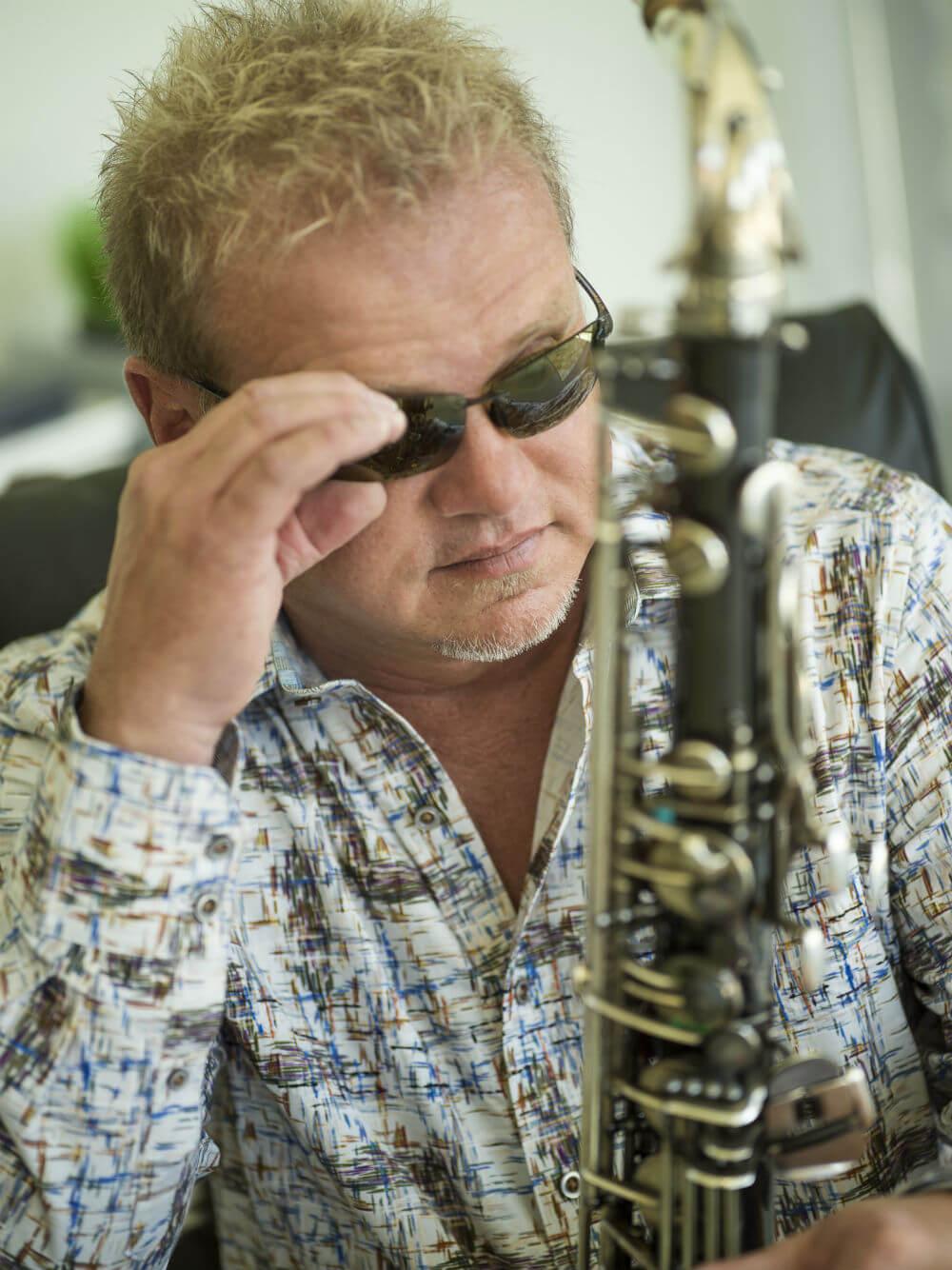 Euge-Groove-On-saxophone-sunglasses.jpg