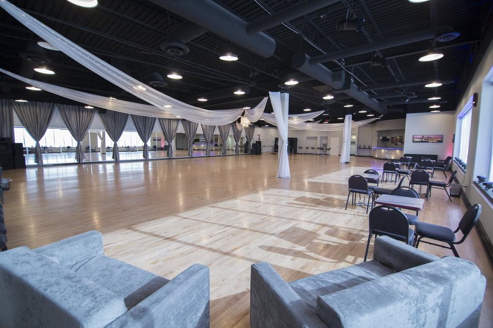 MAJESTIC HALL - Offering 11,500 square feet of event space and up to 550 guests, The limitless options of this venue will be sure to compliment your unique vision.