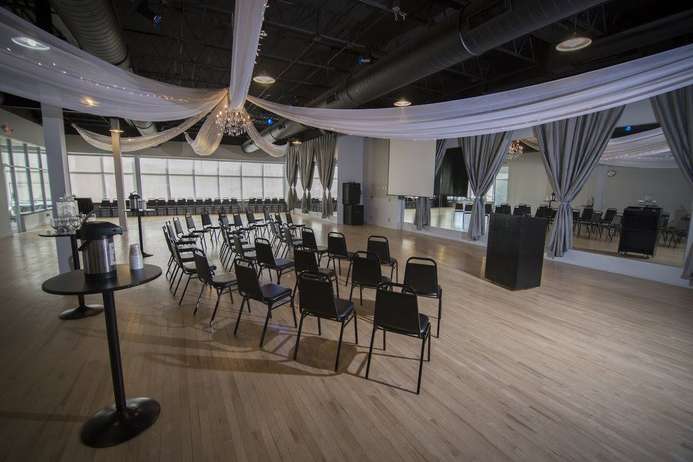 STERLING HALL - Offering 3,500 square feet of event space for up to 140 guests. The perfect choice for more intimate celebrations and gatherings.