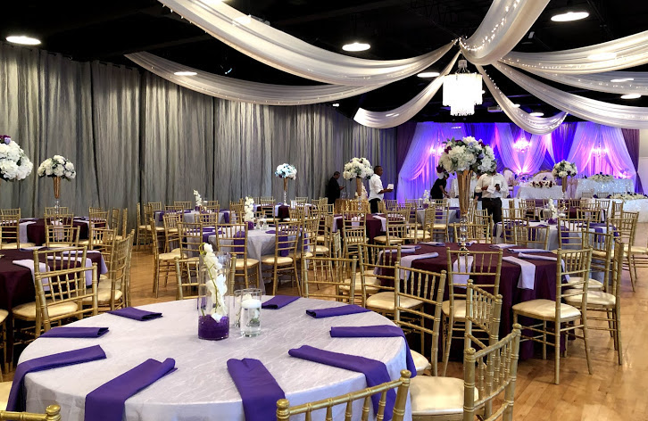 MAJESTIC HALL - Offering 11,500 square feet of event space and up to 550 guests. The limitless options of the venue will compliment your unique vision.