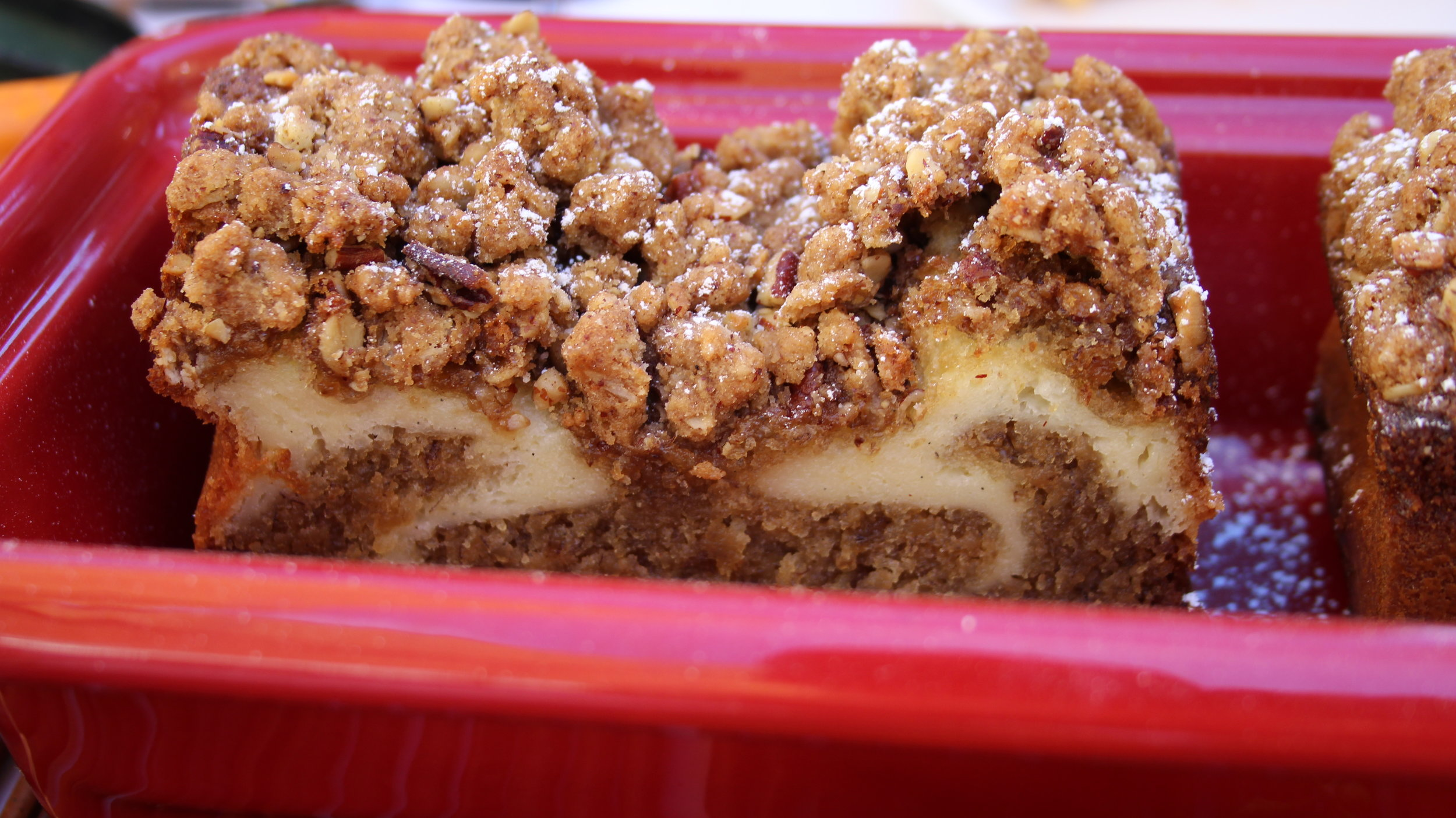 Spiced Banana Loaf with Cream Cheese Swirl & Pecan Oatmeal Crumble