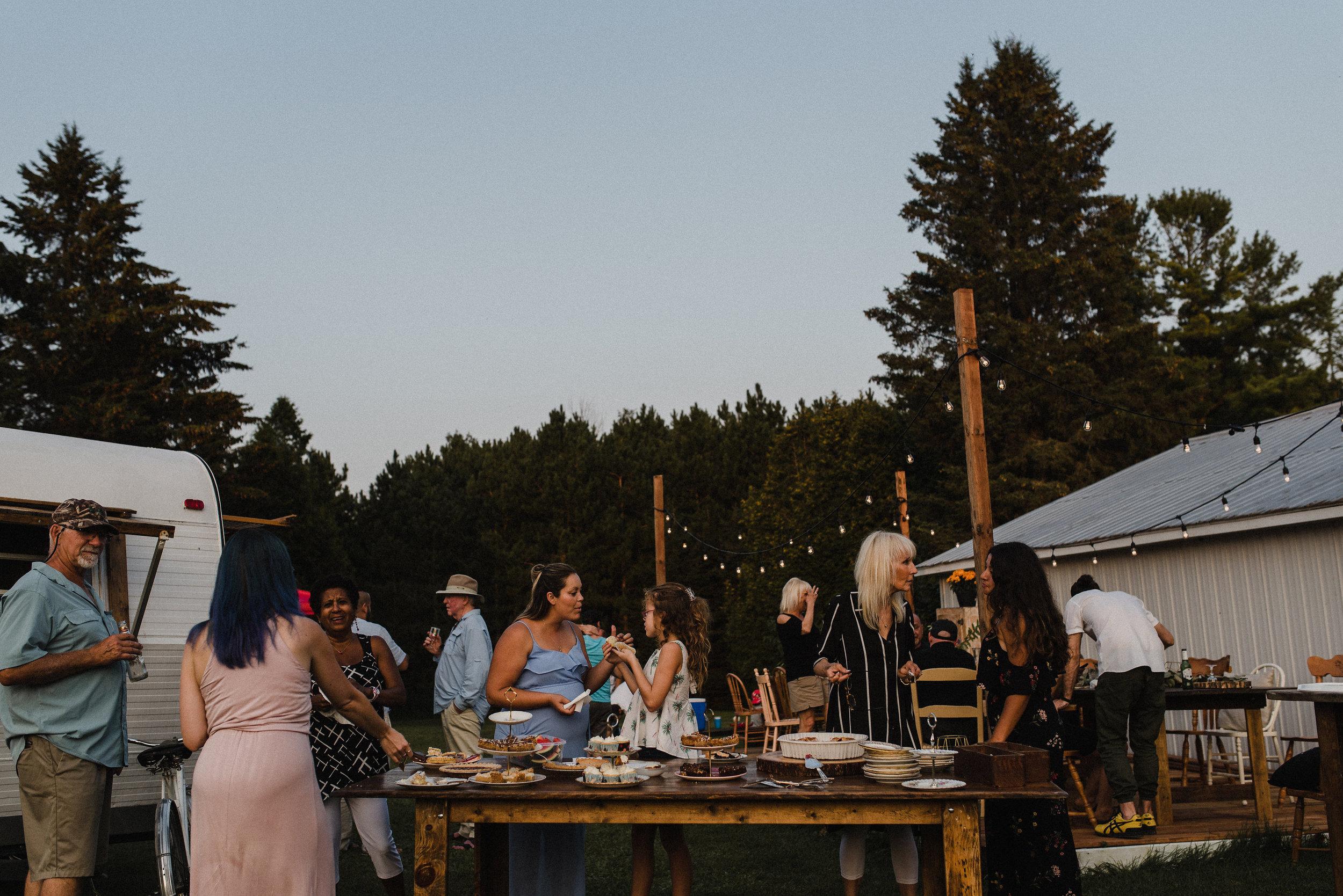 victoria_lafleur_backyard_supper_summer-159.jpg