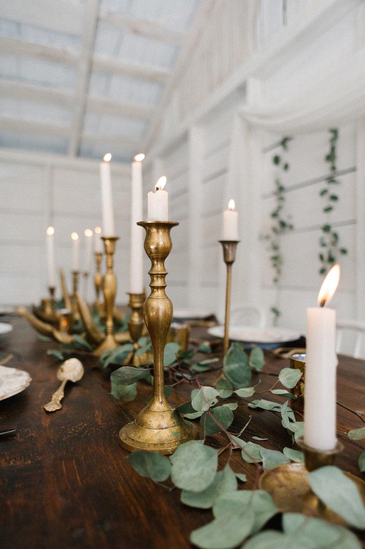 1003    Chandelier en cuivre / Brass Candlesticks    75