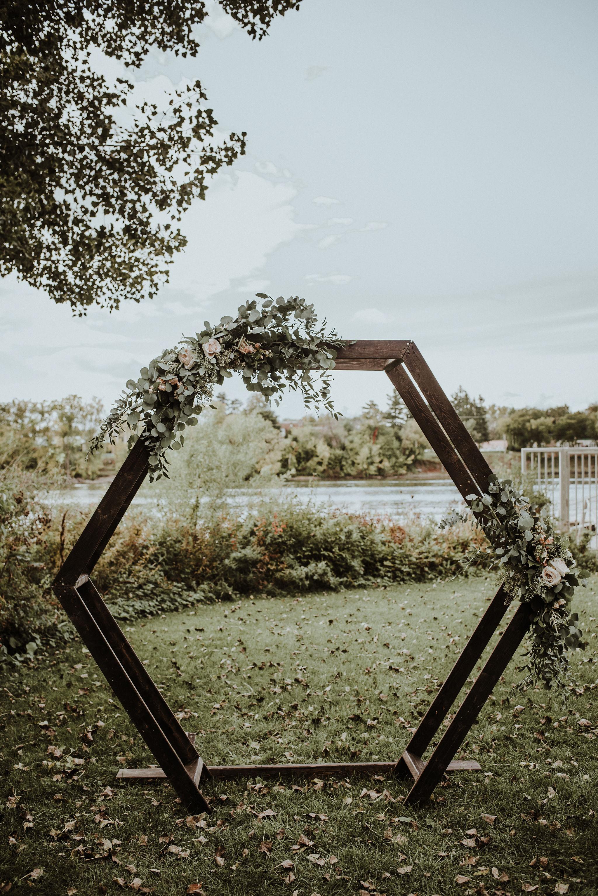 2000    Arche en bois Geo / Geo Wood Arch    1