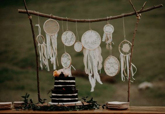 https://junebugweddings.com/wedding-blog/wildly-romantic-wedding-wind-wolves-preserve/