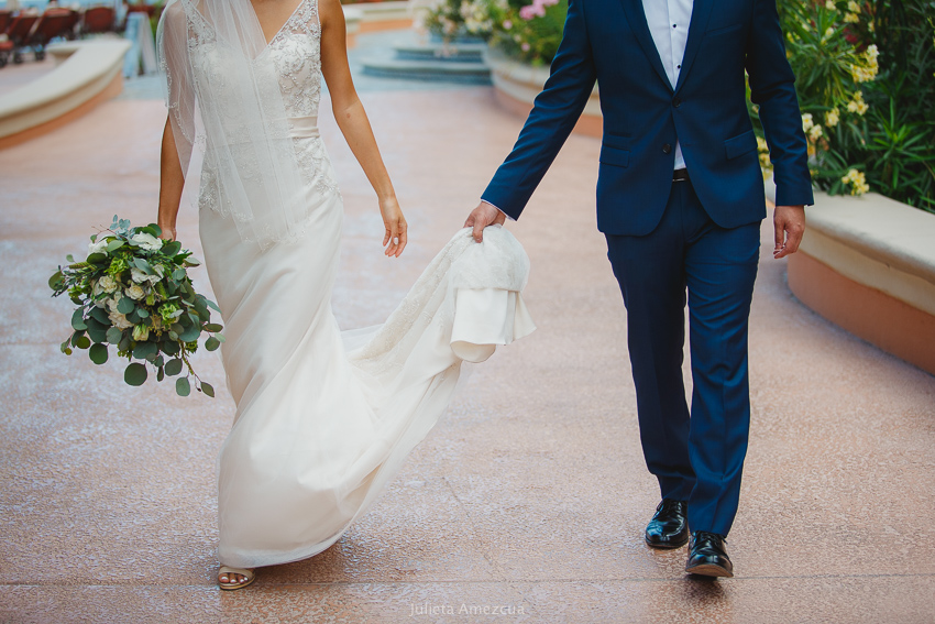 bride and groom artistic wedding photography