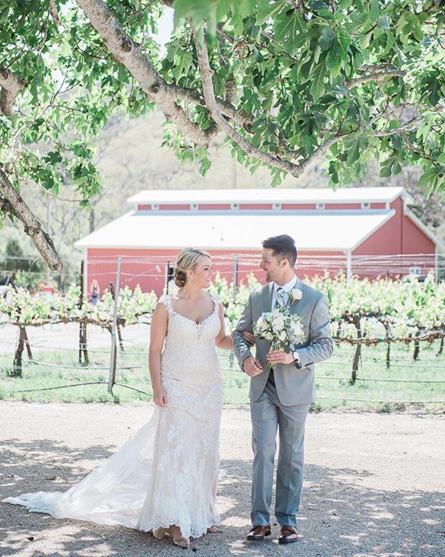 Congratulations to Sarah+Steve who were married in sunny SLO on Saturday. @rarahsandall @patmanang @higueraranch @memorymakingevents #happykampers2017 #sanluisobispoweddingphotographer