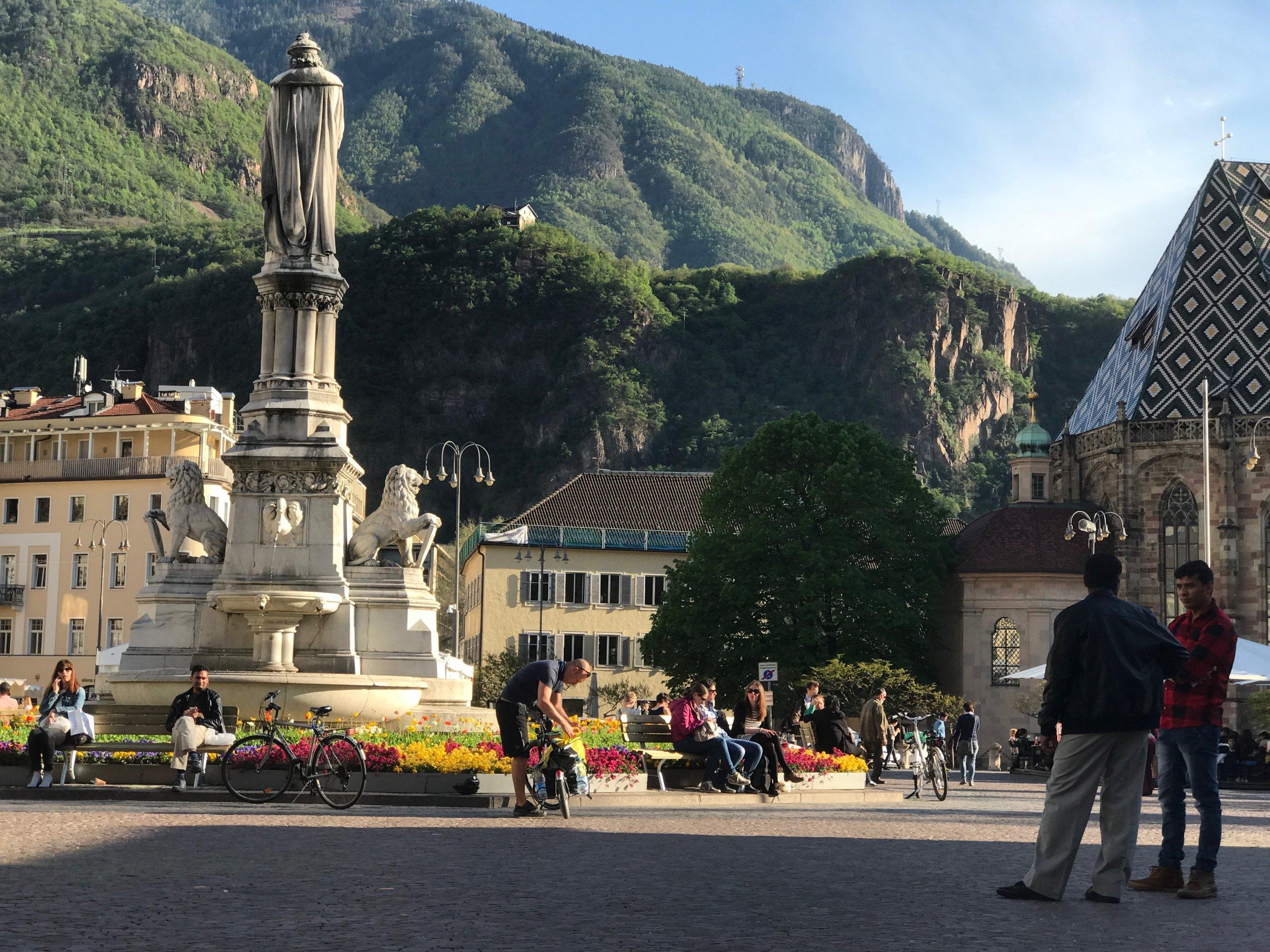 Bolzano main square voyedge rx