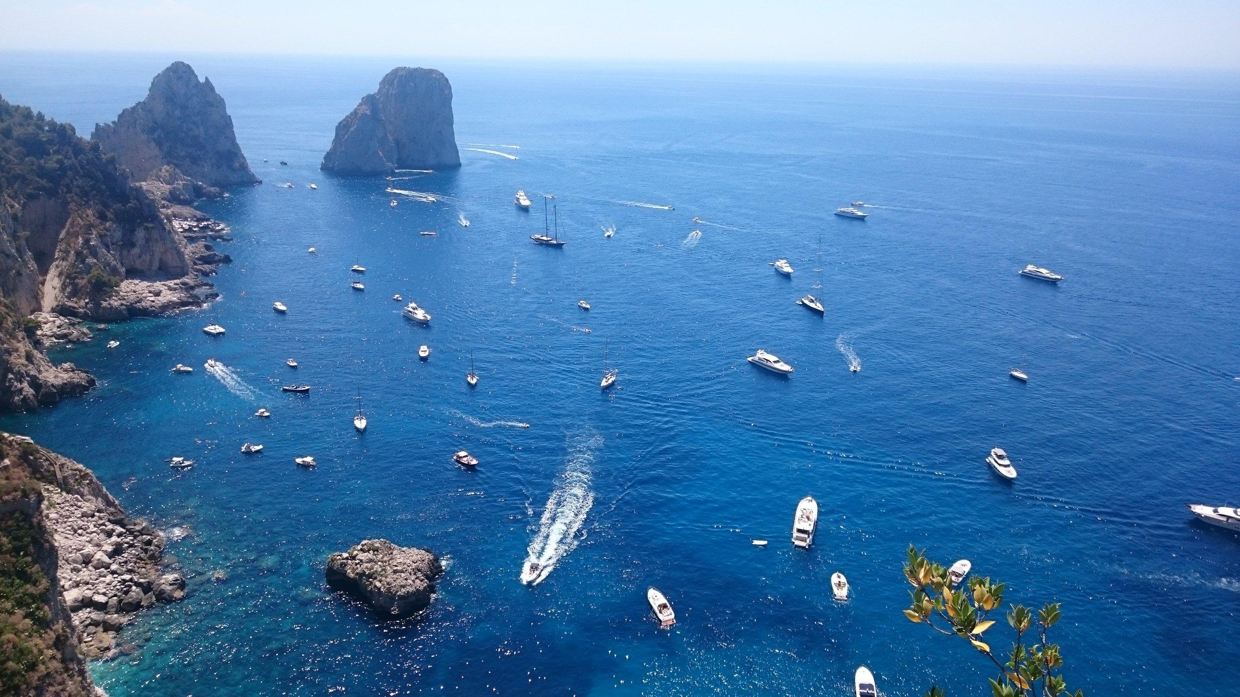 boat tour around the island of capri it is worth it