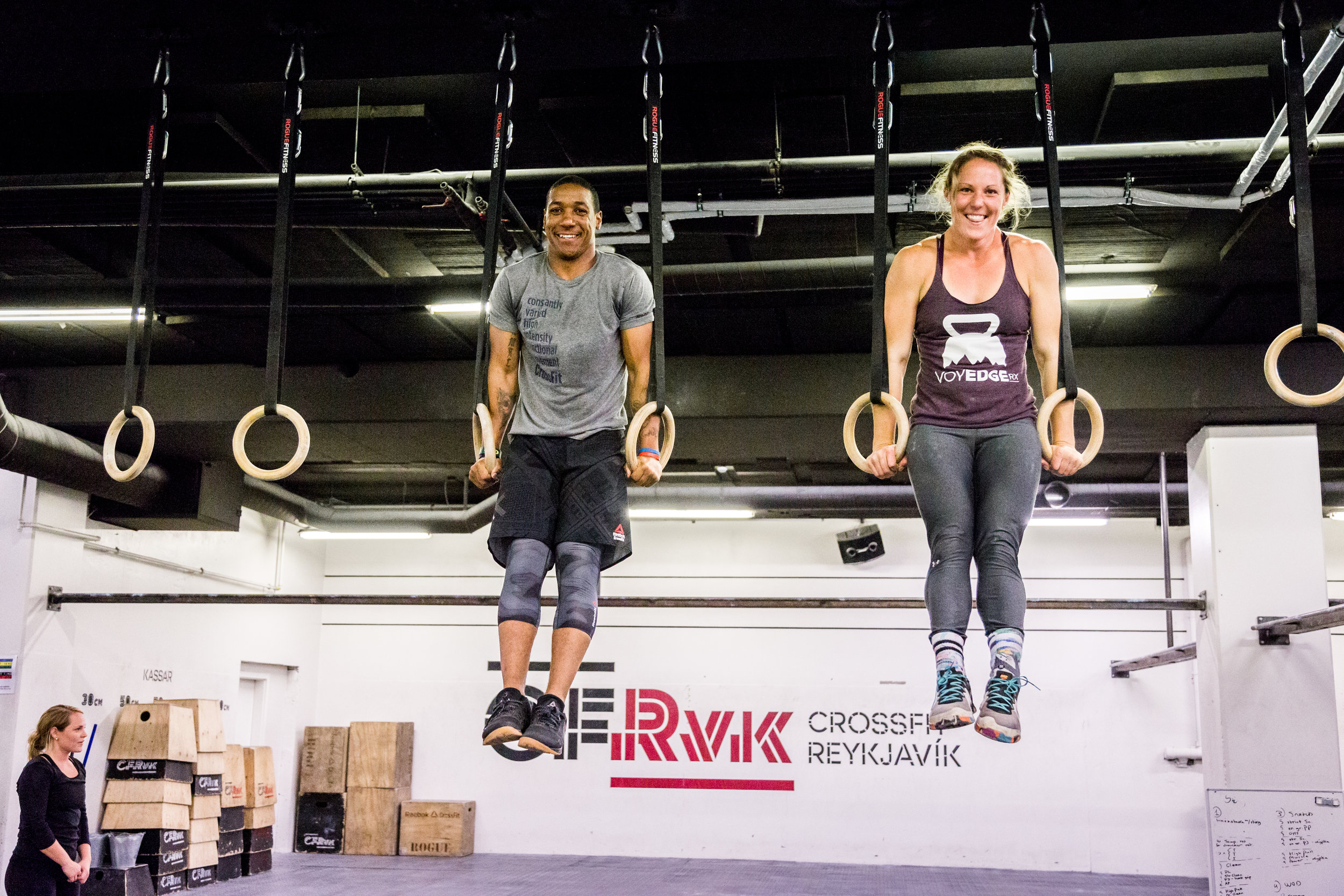 Coaches Larry & Ashley doing some cash out muscle-ups together.