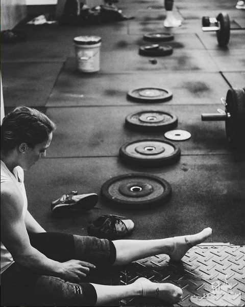 @smashaley10 on IG  with all the weights