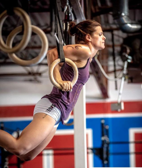 alpinecrossfit Because she's a badass!  #Repost   @dc__amanda  with  @get_repost  ・・・ Week off, ready to get back to it.  pc:  @brayshawcreative   #cfcctriplethreat