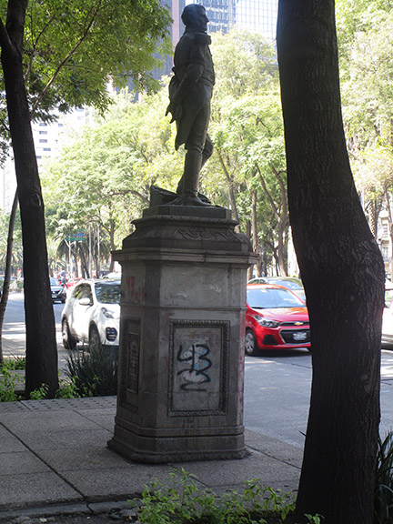 Statue.43.jpg