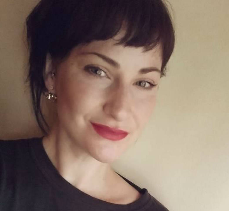 Dana Morenstein, - explains the context of Deanna Desjarlais' missing women's report:http://www.cbc.ca/news/indigenous/when-deanna-desjarlais-went-missing-1.3786916