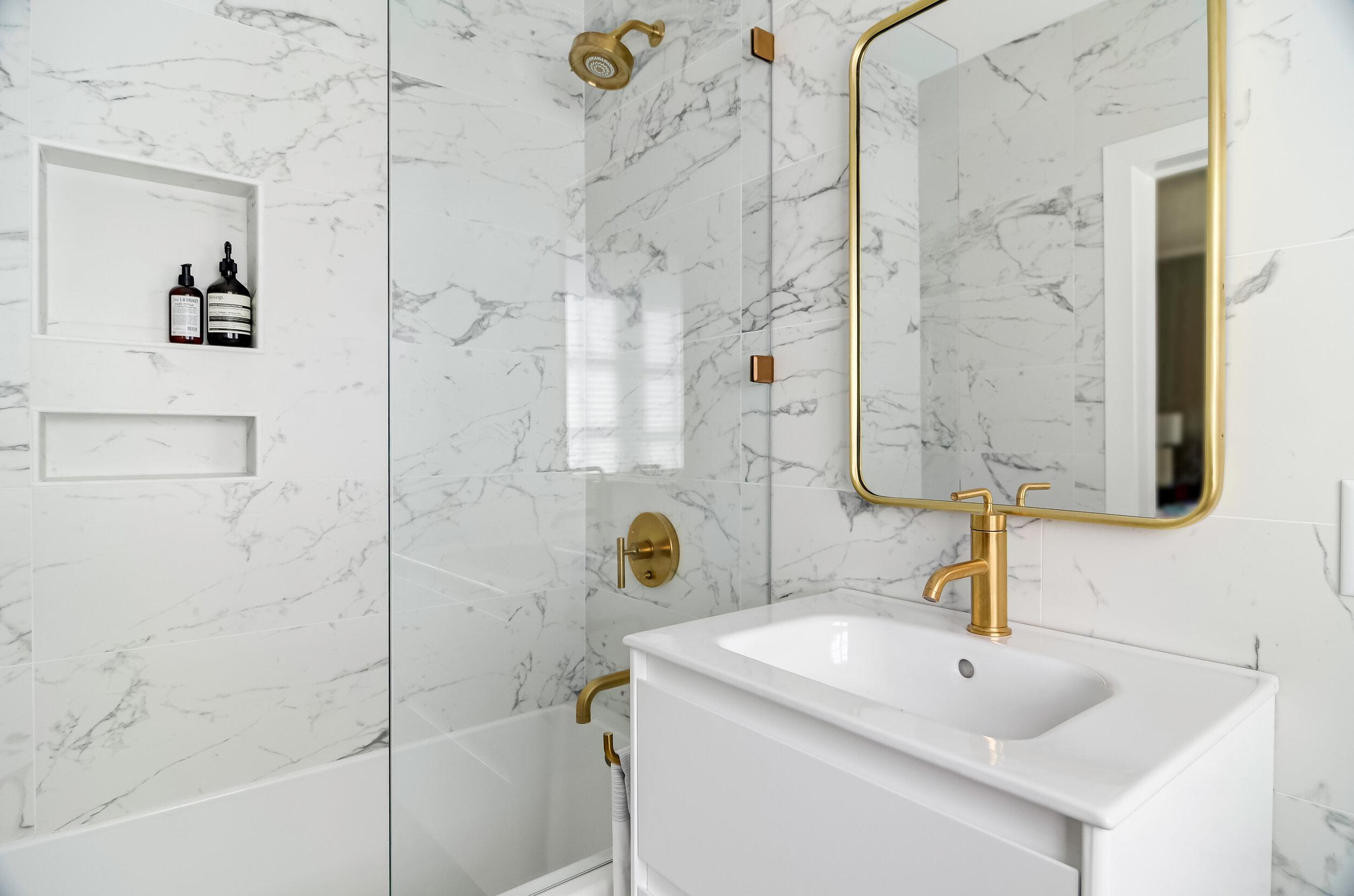 1729 Humboldt Bathroom-10.jpg