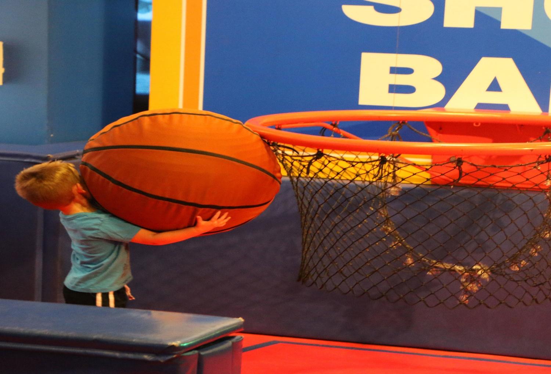 COLLEGE BASKETBALL HALL OF FAME -