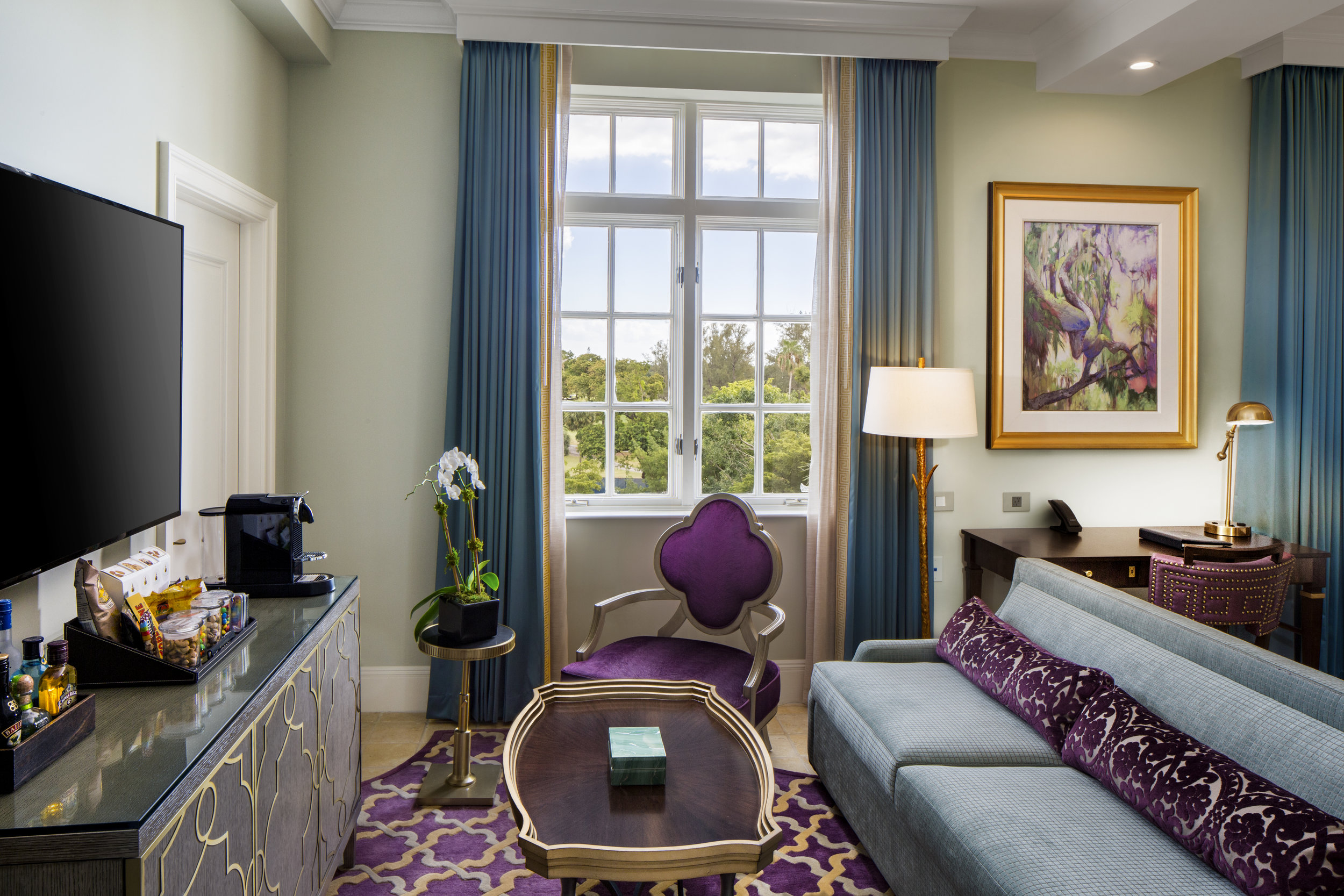 Junior Suite King 2.jpg
