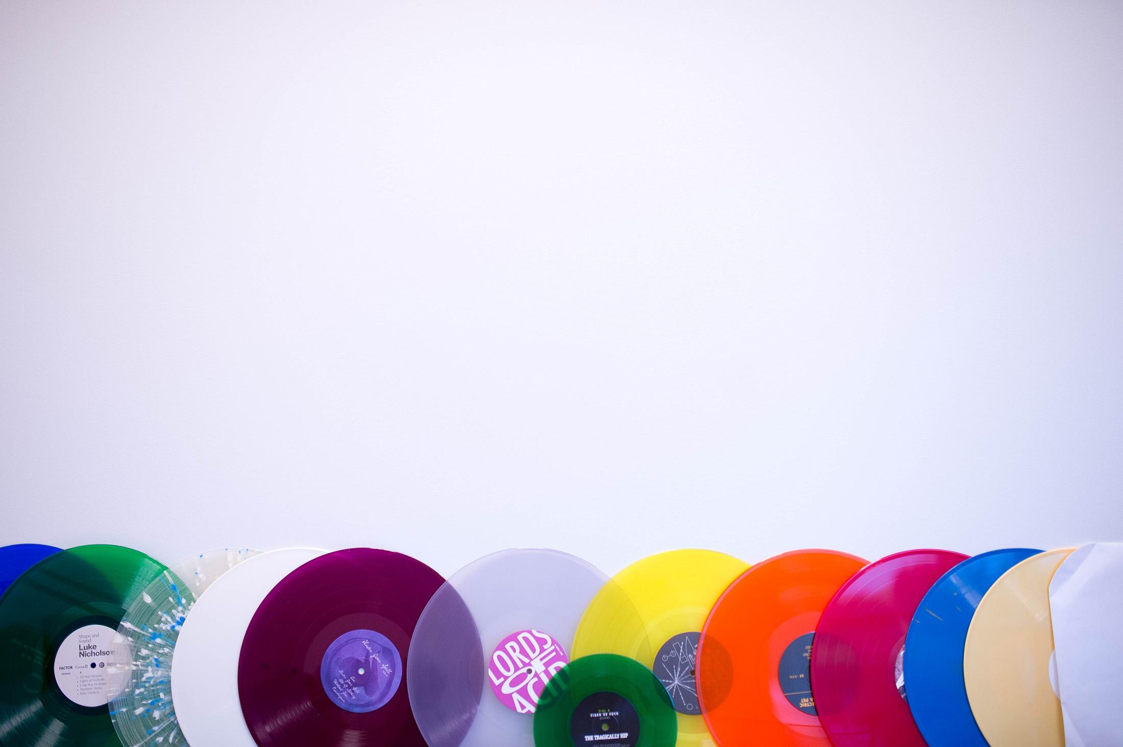 Rất Nhiều Đĩa Than Được Tập Kết Vào Phòng Kiểm Định Audio Tại Precision Record Pressing.    Photographer: James MacDonald/Bloomberg