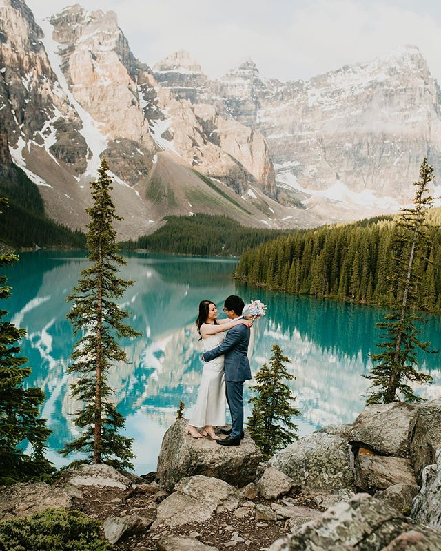Blue Gatorade as one boy shouted 😂#adventuretime #photobugcommunity #lookslikefilm #portraitphotography #beautifuldestinations #destinationweddings #destinationweddingphotographer #love #canadianrockies #lakemoraine #morainelakeelopement #elopementwedding #elopeinbanff #banffelopementphotographer #liveauthentic #wanderlust #travelblogger