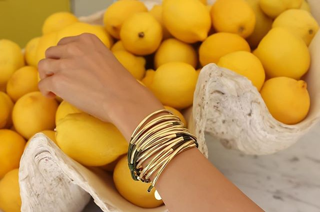 Fresh Lemons with the  Lizzy Classic Goldplate 5-strand .