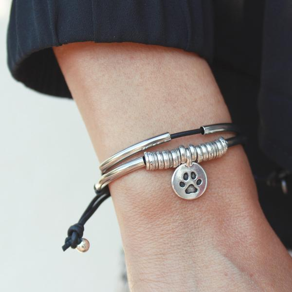 Calm-Bracelet-Natural-Black-Black-Leather_grande.jpg