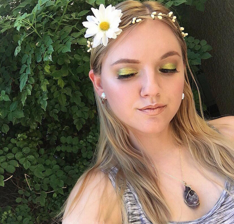 The stunning @thatonegalsteph wearing Mermaid Love earrings