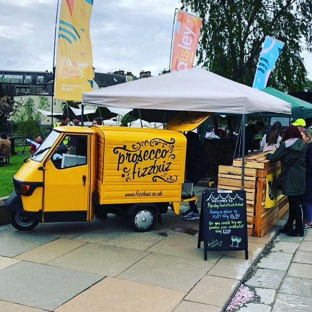 Woohoooo we are here, Day 1 of the @paisleyfoodanddrink festival. Pop along tonight or tomorrow for an amazing family day out. Why not leave the car and treat yourself to a glass of fizz from our very own Valentino. 🍾🥂#paisleyfoodanddrink #paisley #fizzbuz