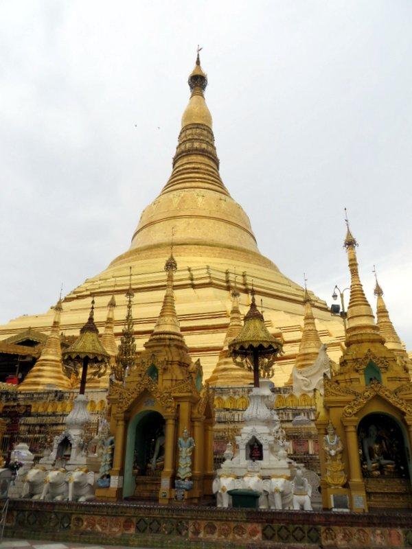 The magnificent Shwedagon Pagoda
