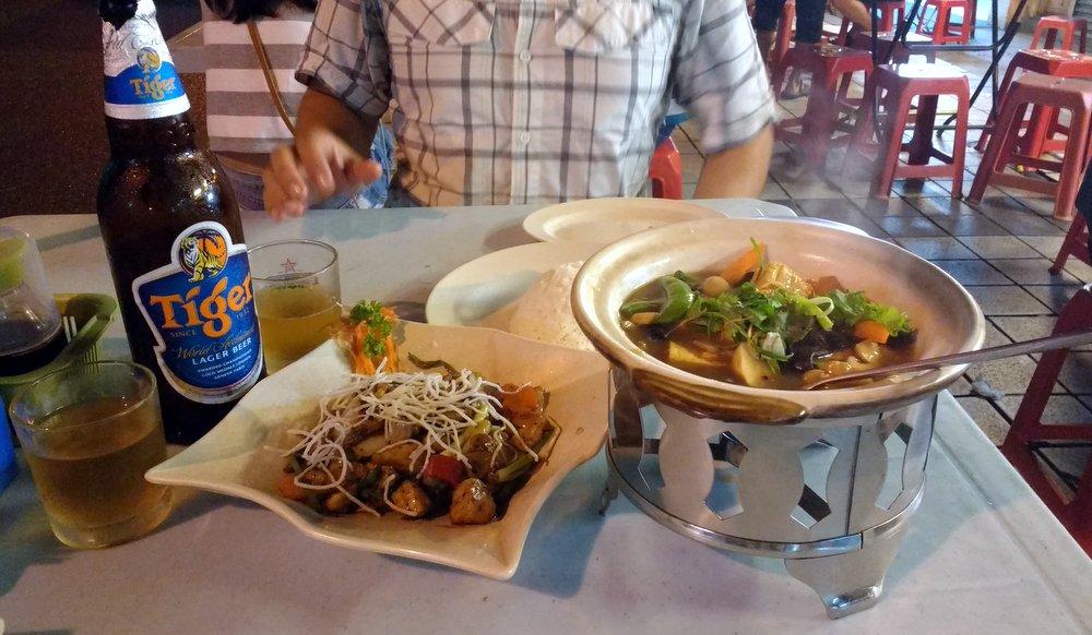 Claypot Tofu and Pepper Chicken at Petaling Street