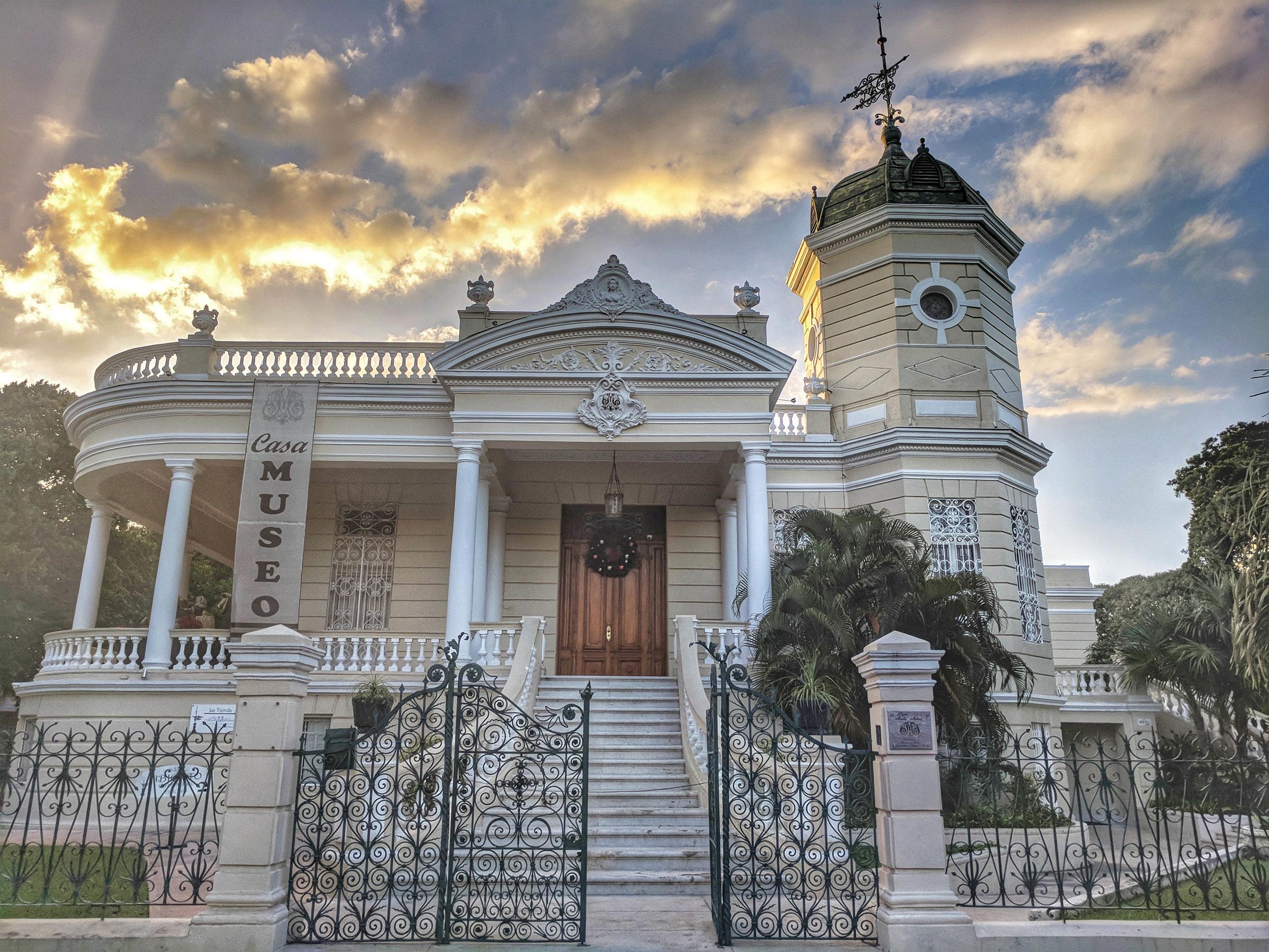 Paseo Montejo mansions.jpg