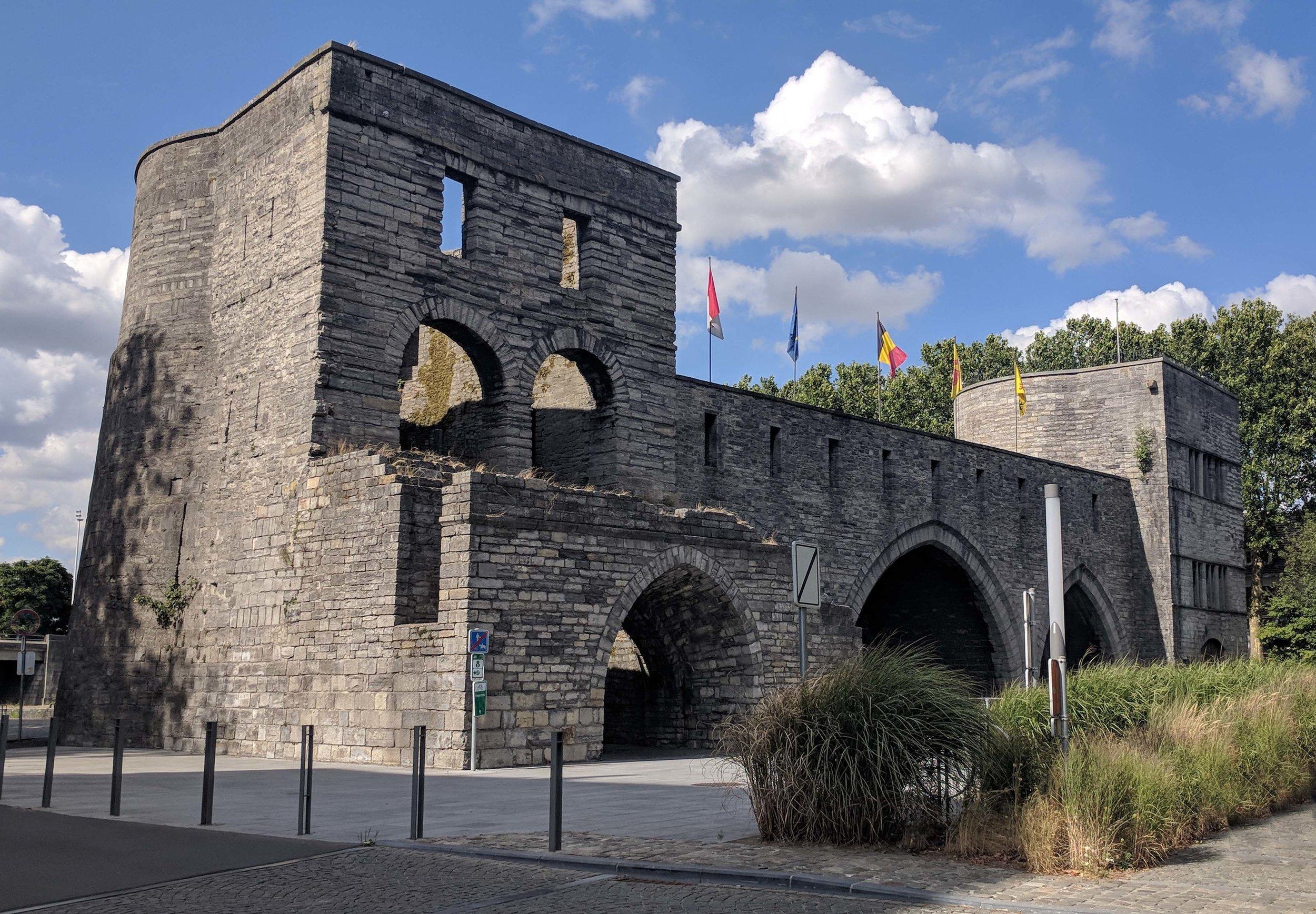 Pont des Trous, Tournai