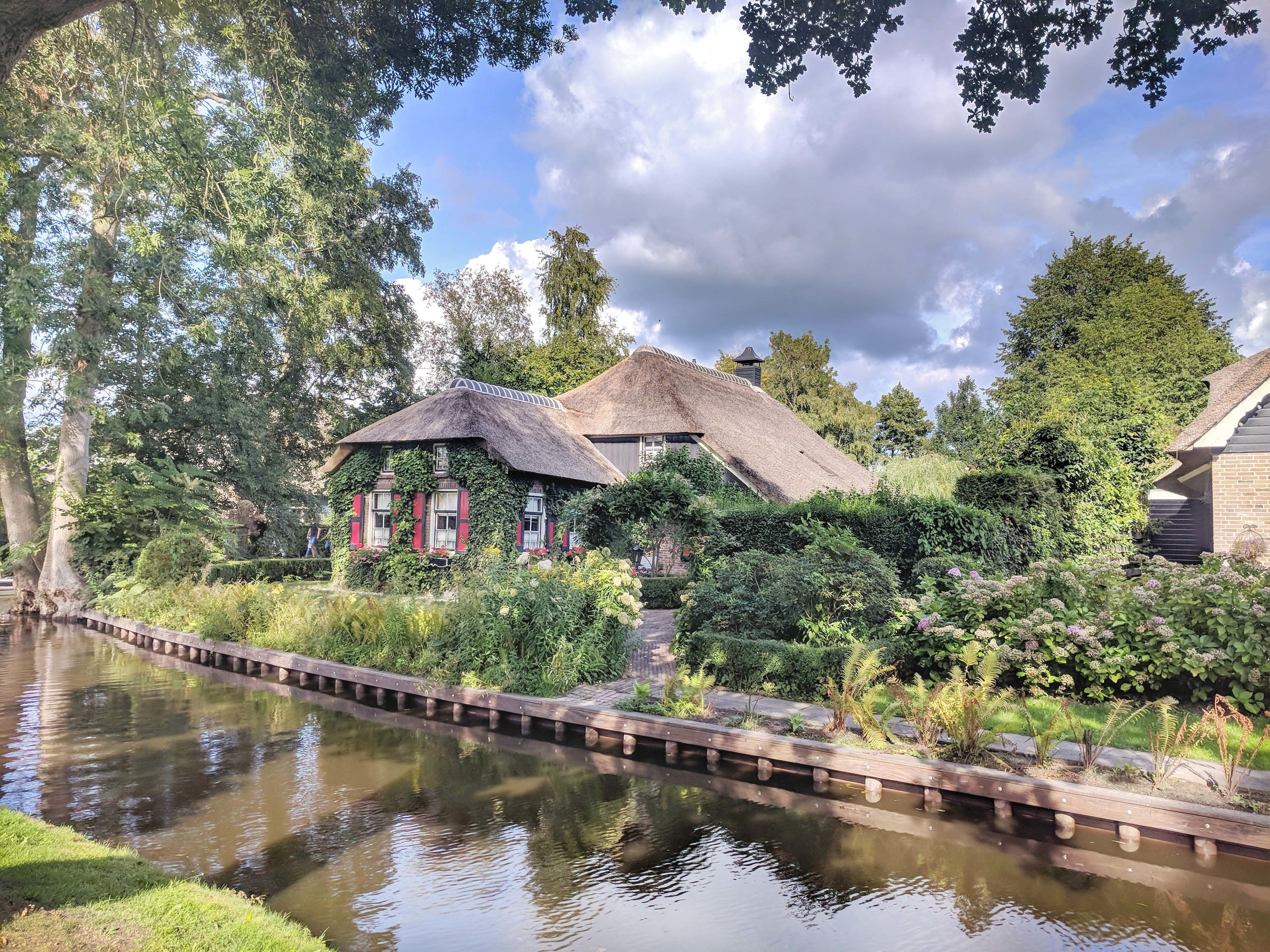 Giethoorn Thatched Houses, The Netherlands.jpg