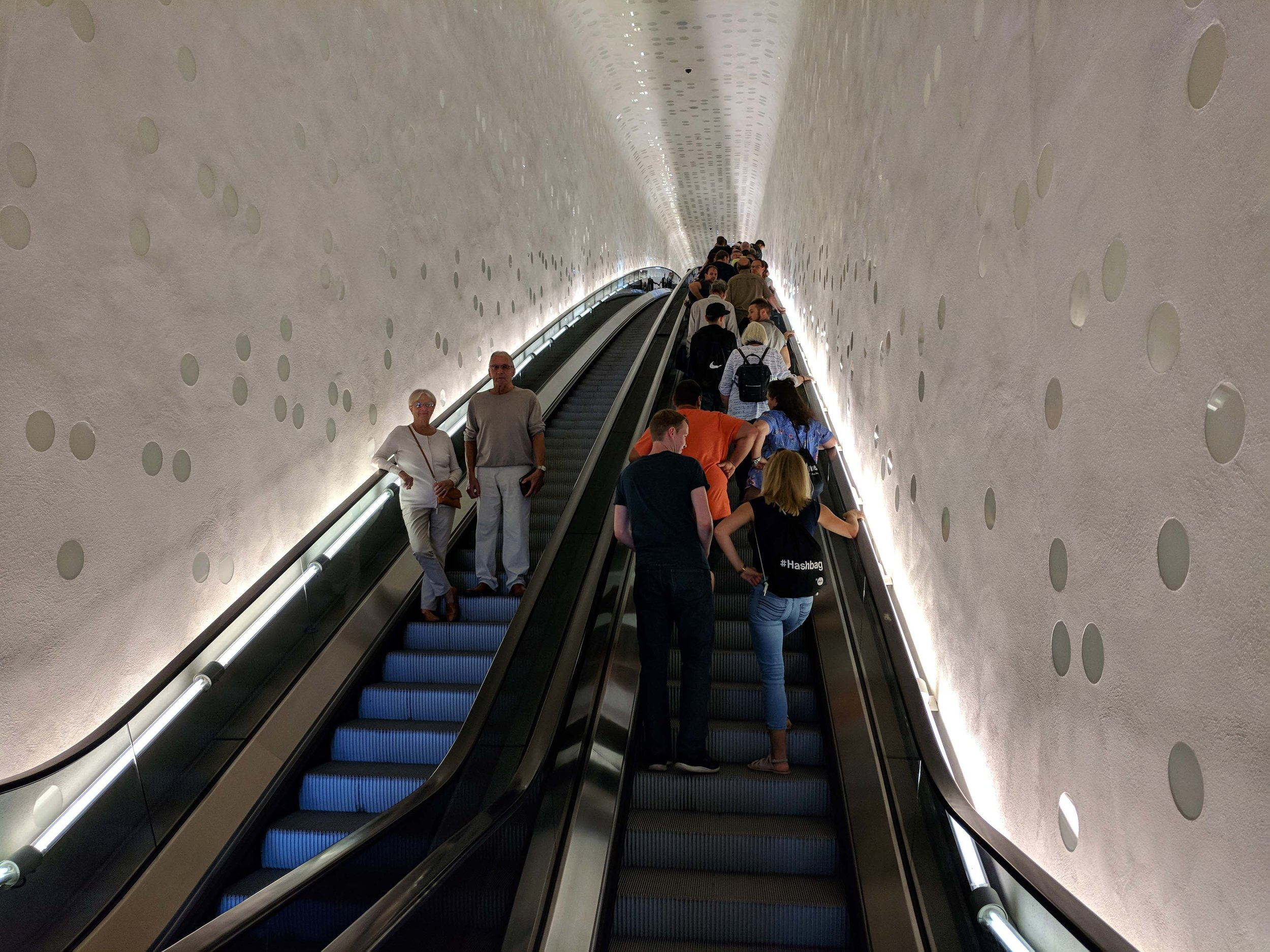 Riding the escalator to the Plaza of the Elbephilarmonie