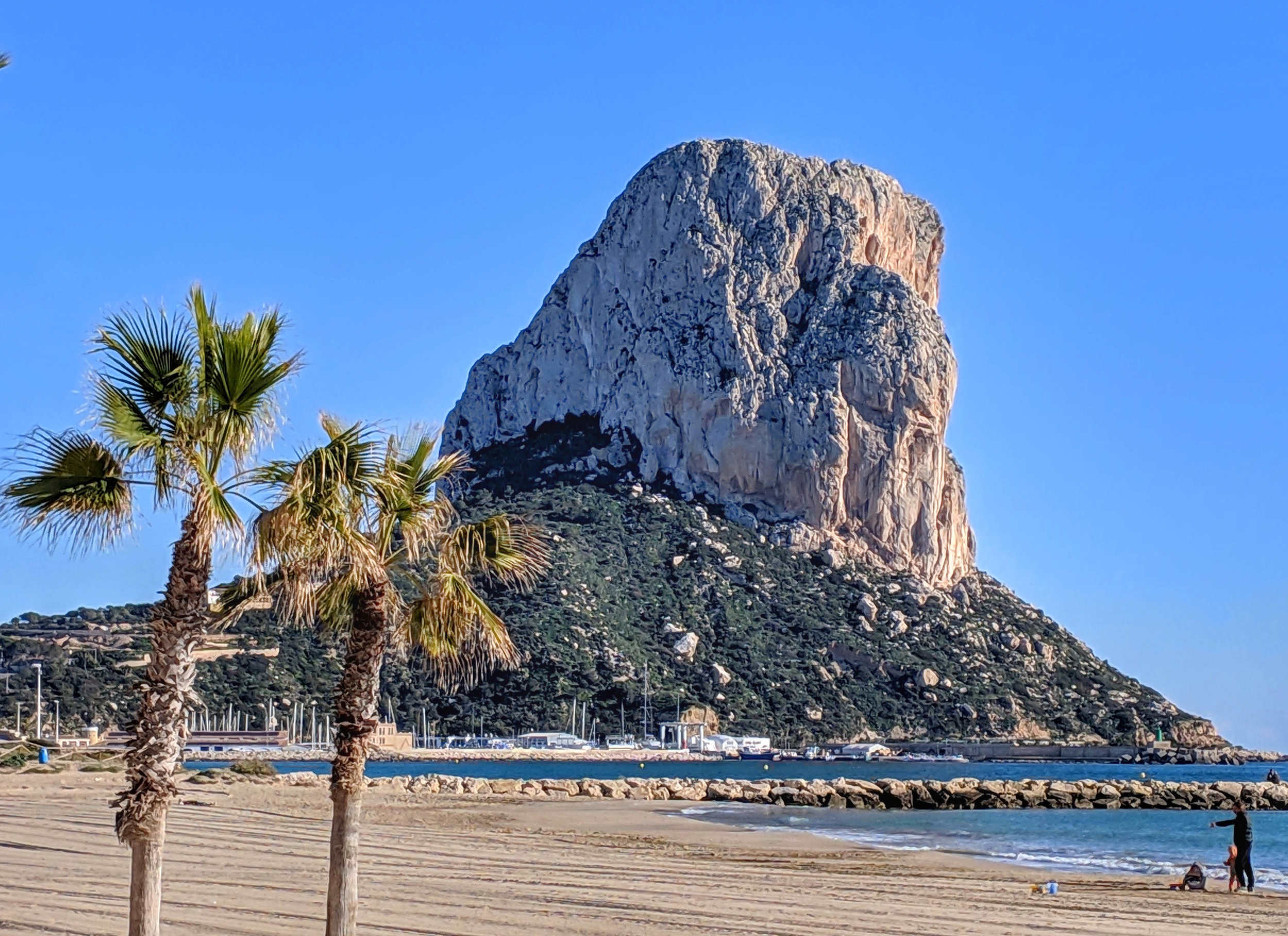 Scenic Calpe, with a big ol' lump a rock