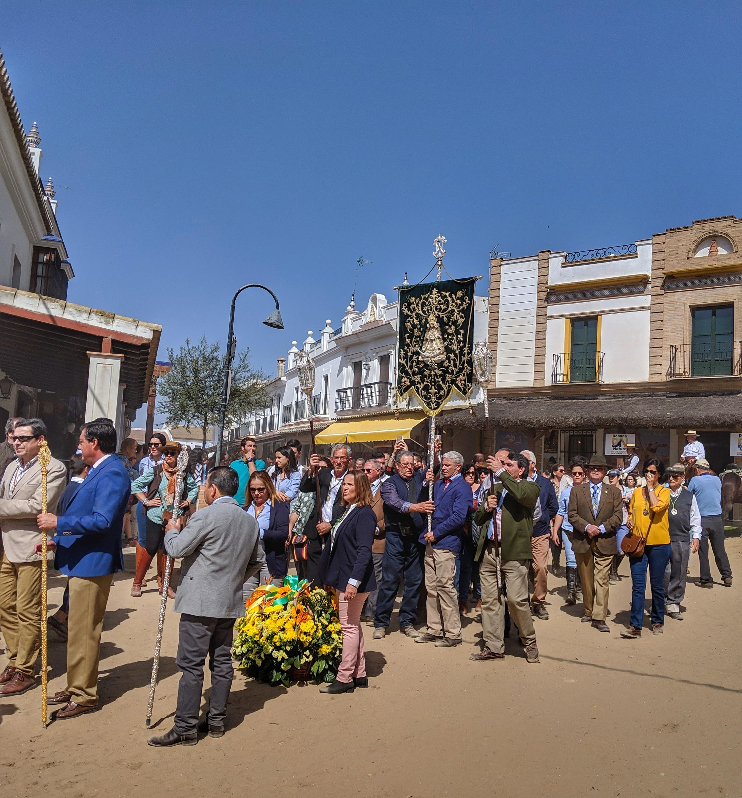 The Sunday parades to visit the Virgen