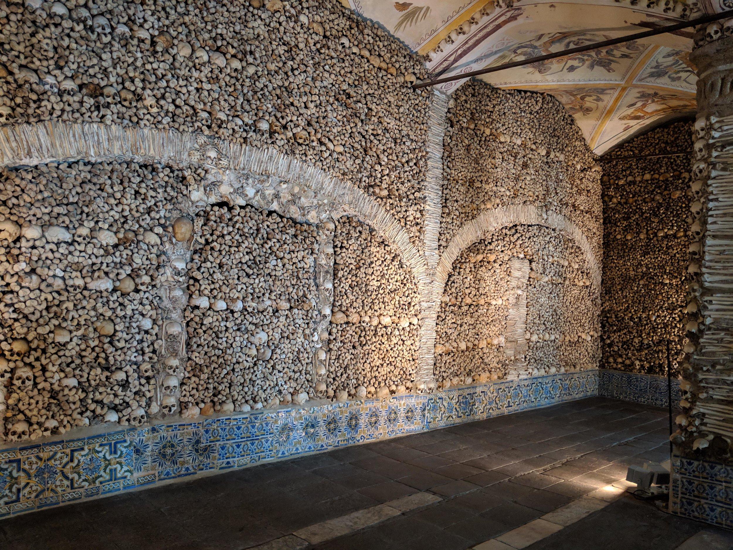 Capela de Ossos, Evora Portugal 2.jpg
