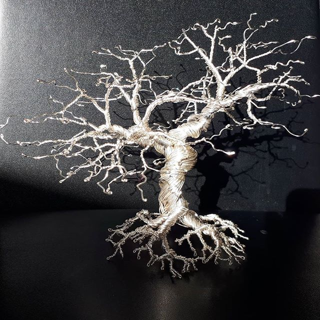 Wire Oak Tree  #wiretree #wiretreesculpture #wiretrees #wirebonsaitree #wirebonsai #wireoaktrees #wirecraft #wireoaktree