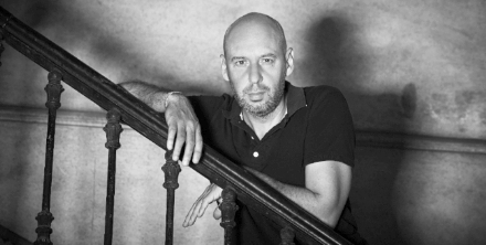 Jaume Balagueró is one of the great auteurs of contemporary Spanish horror film, most notably the acclaimed REC series for which he won Best Director in the Festival de Cinema Fantàstic de Sitges. Other classics from Balagueroó includes Fragiles and Darkness.